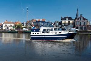 cabin-cruiser-fluvial