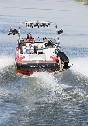 runabout-wakeboard
