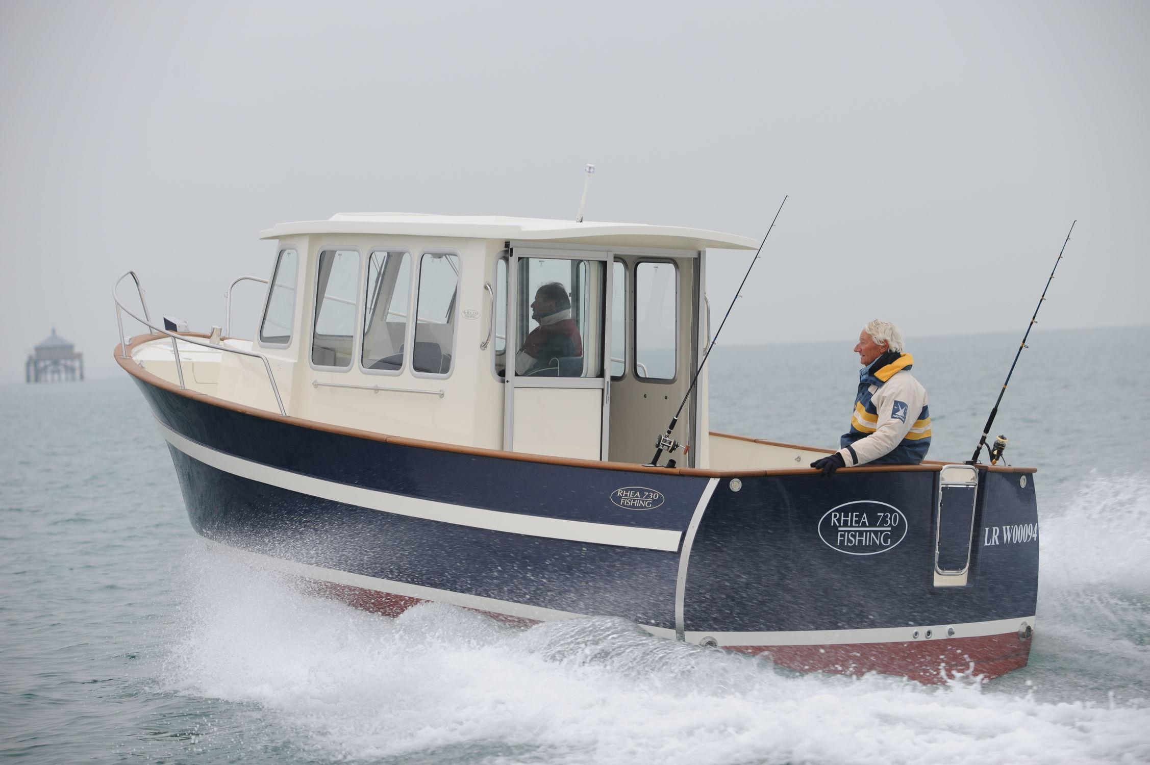 bateau de peche rhea