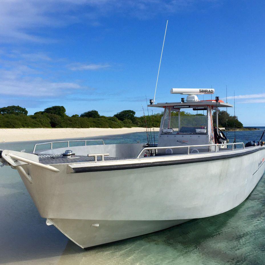 bateau de peche en aluminium