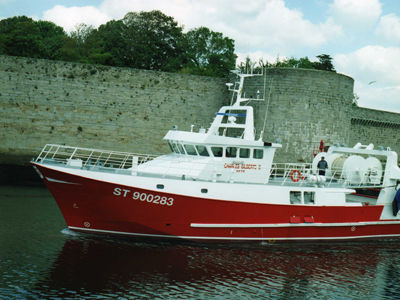 bateau de peche professionnel