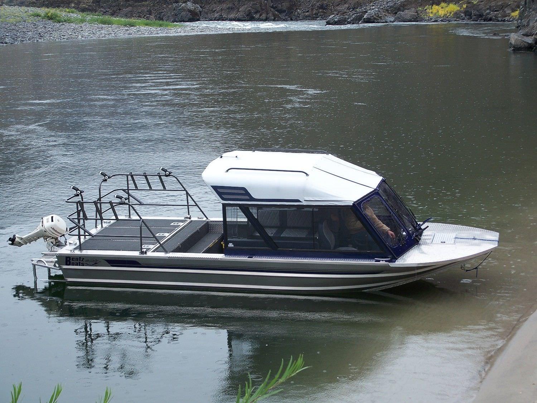 bateau de peche hydrojet