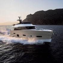 Motor-yacht de croisière / à fly / PRV / 3 ou 4 cabines
