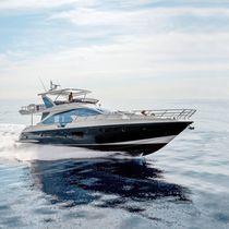 Motor-yacht de croisière / à fly / PRV / en fibres de carbone