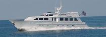 Motor-yacht de croisière / à fly / à déplacement