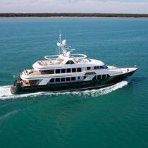 Super-yacht de croisière / raised pilothouse / à déplacement