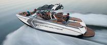 Runabout in-bord / bow-rider / de wakeboard / de wakesurf