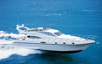 Motor-yacht traditionnel / à fly / à déplacement