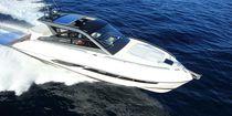 Motor-yacht de croisière / hard-top / IPS / coque planante