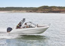 Runabout hors-bord / bow-rider / de pêche sportive