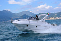 Cabin-cruiser hors-bord / open / max. 7 personnes / 4 couchages