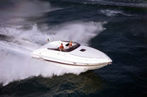Cabin-cruiser in-bord / open / max. 8 personnes / 2 couchages