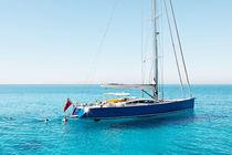 Sailing-yacht de course-croisière / salon de pont / sur mesure