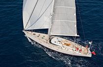 Sailing-yacht de croisière / salon de pont / sur mesure