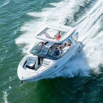 Runabout hors-bord / bi-moteur / bow-rider