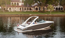 Runabout in-bord / bow-rider