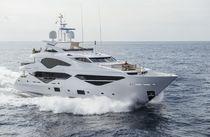Super-yacht de croisière / raised pilothouse / à déplacement / 5 cabines