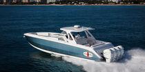 Coque open hors-bord / quadri-moteur / offshore / T-Top