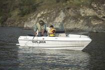Coque open hors-bord / de pêche sportive / max. 5 personnes