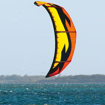 Aile de kitesurf hybride / de race