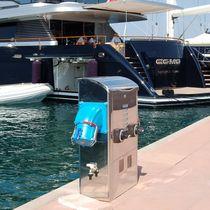 Borne de distribution électrique / de distribution d'eau / avec éclairage intégré / pour ponton
