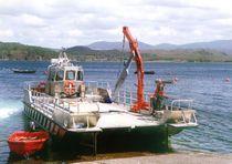 Bateau pour l'aquaculture catamaran