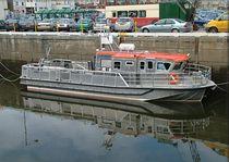 Bateau de support pour la plongée in-bord