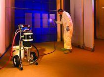 Machine de pulvérisation de peinture pour chantier naval