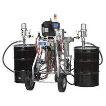 Machine de pulvérisation de peinture bi-composant / pour chantier naval