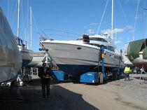 Remorque de mise à l'eau / de manutention / pour chantier naval / contrôlée à distance
