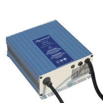 Chargeur de batterie / marin