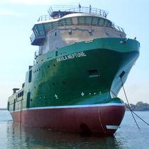 Navire de service offshore remorqueur manoeuvreur d'ancres - AHT