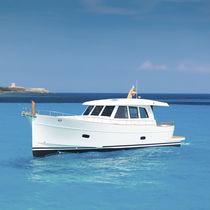 Motor-yacht traditionnel / lobster / à cockpit fermé / à déplacement