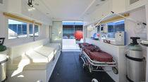 Bateau ambulance hors-bord