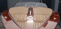 Runabout in-bord / à double console / en bois / traditionnel
