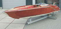 Runabout in-bord / bow-rider / en bois / traditionnel