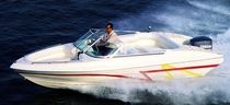 bateau &agrave; moteur : runabout bow-rider hors-bord 20 SC Majesty Yachts