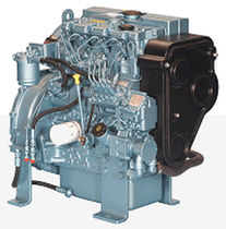 moteur diesel rapide auxiliaire pour navires (injection indirecte, atmosph&eacute;rique) 422GM (20.7 KVA @ 1500 RPM -&gt; 24.8 KVA @ 1800 RPM) Perkins Sabre