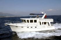 yacht de luxe : motor-yacht trawler &agrave; fly 51.5'  EUROPA LBC Adagio Yachts