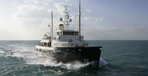 yacht de luxe : super-yacht trawler BYSTANDER JFA Yachts