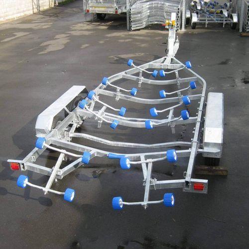 remorque de route / pour bateau / à rouleaux