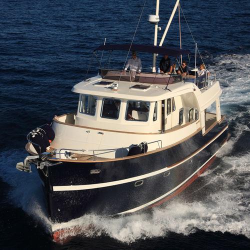 Trawler in-bord / à fly / 2 cabines 47 Rhea Marine