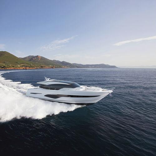 motor-yacht de croisière / hard-top / 4 cabines