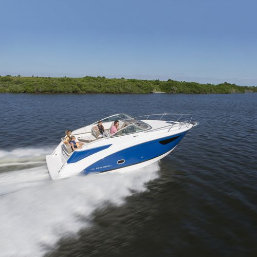 Cabin-cruiser in-bord / open 26 Express Regal