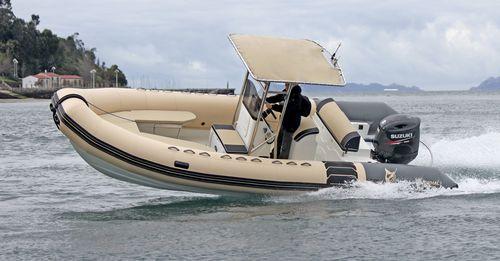 bateau pour base de loisirs / hors-bord / bateau pneumatique semi-rigide