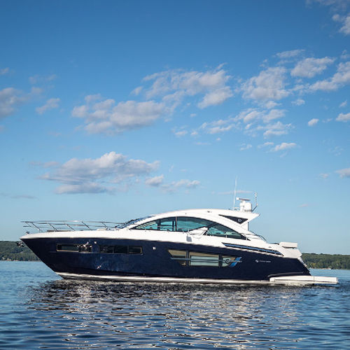 motor-yacht de croisière / hard-top / coque planante / 2 cabines