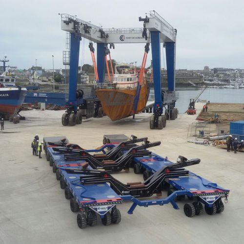 remorque de manutention / de transport lourd / pour chantier naval / modulaire