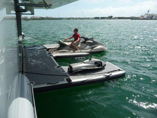 ponton flottant / pour amarrage à sec de jet-ski