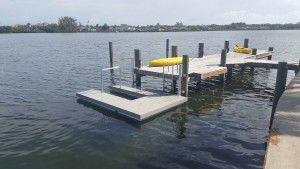 ponton flottant / d'amarrage / pour base de loisirs / pour canoë-kayak