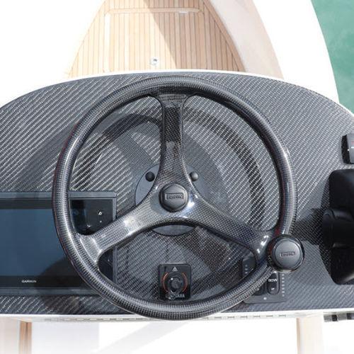 volant en carbone pour bateau à moteur / course